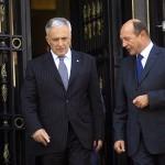 Isarescu Basescu 150x150 HALUCINANT reloaded!!! BNR un castel de carti de joc. Dr. Ec. Constantin Cojocaru: 73% din rezerva BNR este alcatuita din hartii fara nicio valoare; valuta si aurul reprezinta doar o mica  parte. Cum a imprumutat Romania o tara ca SUA cu bani luati cu dobanda si comisioane grase de la FMI,   adica tot din SUA. MEGASCHEME financiare, asasini economici si manipulare pe filiera masonica, pentru ruinarea Romaniei. La TVR R
