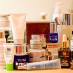 cosmetice cu chimicale 150x150 LISTA. Cancerul din baie. Cele mai periculoase substante din cosmetice. Glosar