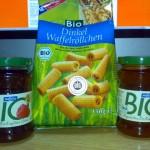 produse bio 150x150 Studiu: circa 80% din produsele magazinelor bio romanesti sunt din import. In loc sa stimuleze productia eco, Tabara vrea sa fure cu legea pamanturile micilor producatori ca sa pune pe ele OMG uri